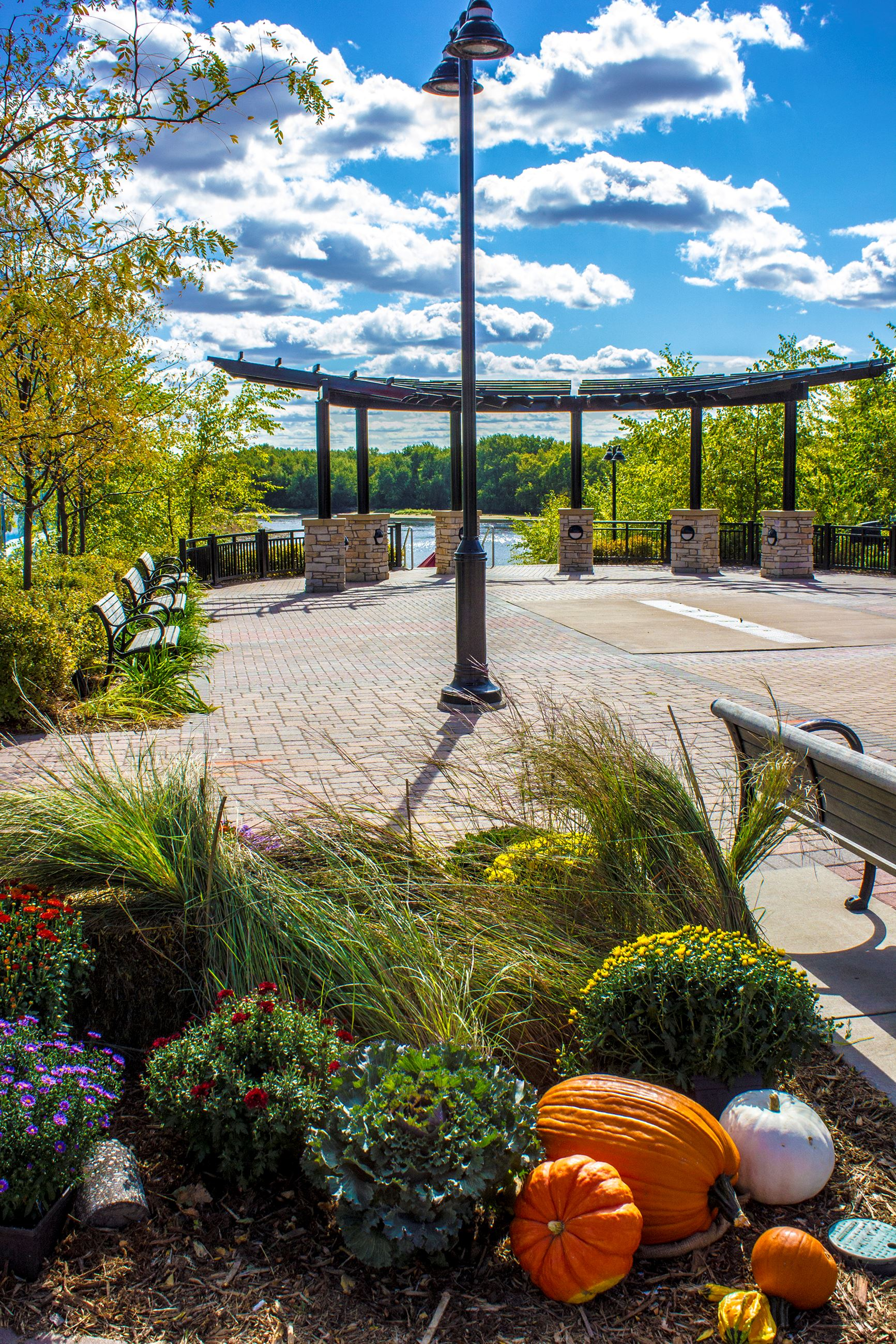Rivers Edge Commons Fall